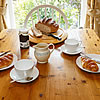 Snugglers Den breakfast table